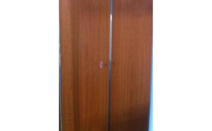 2 door strong wooden wardrobe