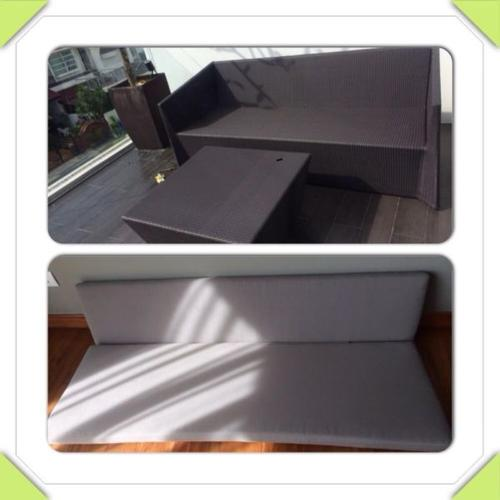 3 seater outdoor sofa and coffee table set.cushions