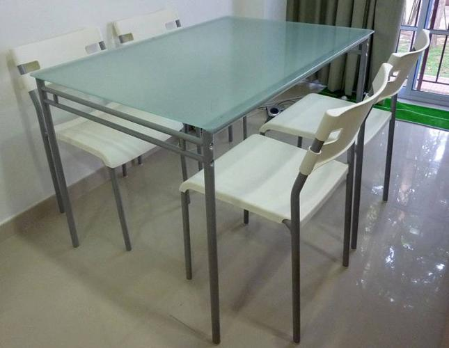 4 seater frosted glass top table