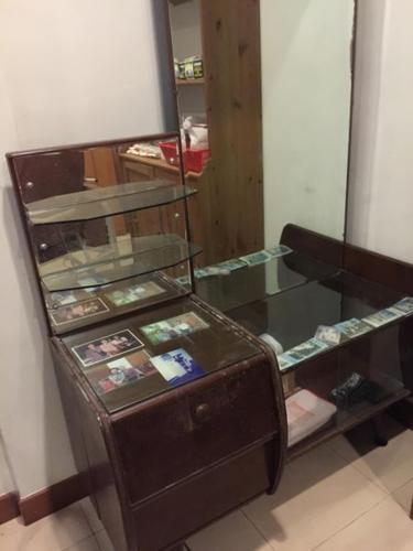 60s dressing table (highly sought after!)