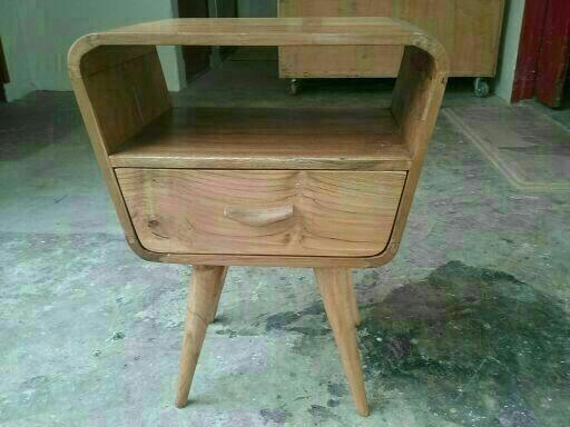 A259 - Retro Side Table