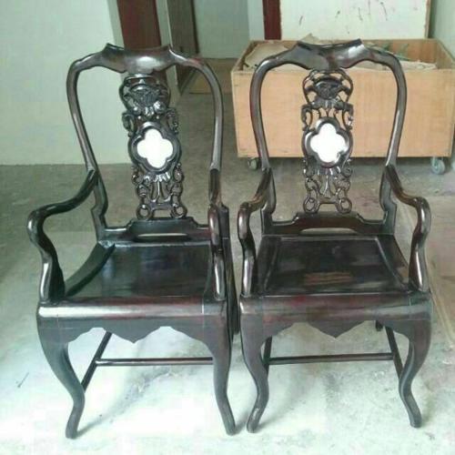 A261 - Antique Chair