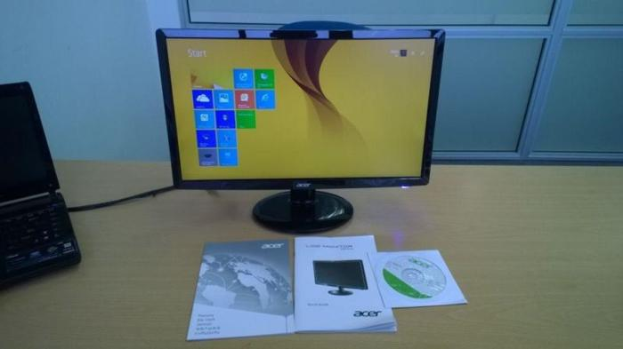 Acer LCD LED Monitor & Logitech Wireless Key Board &