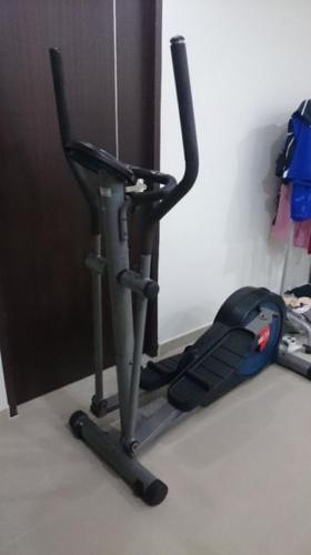 Air walker for exercise