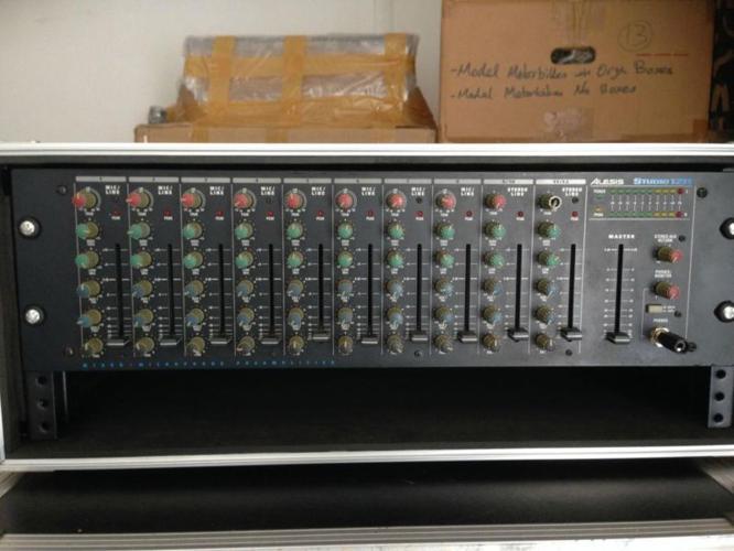 Alesis Studio 12R Mixer