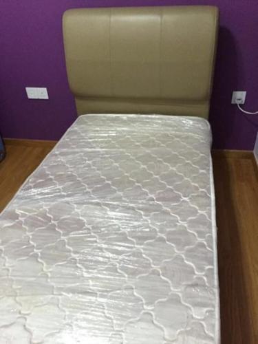 Almost new Rebecca bed