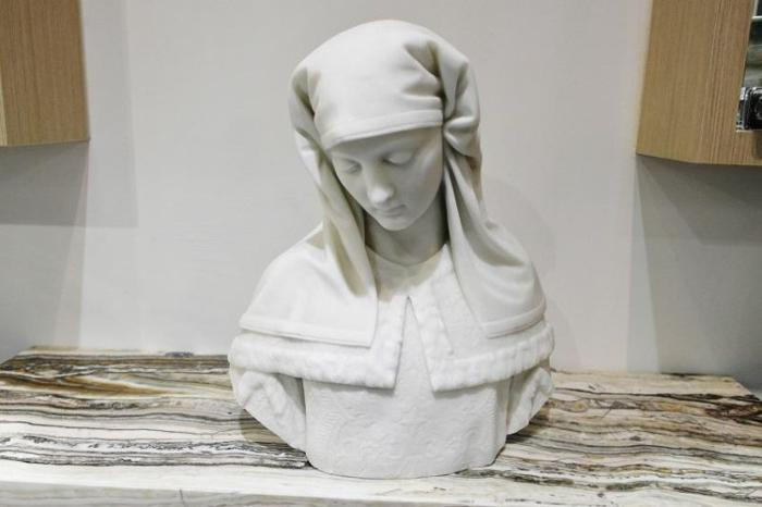 Antique Bust Marble Sculpture of Mary