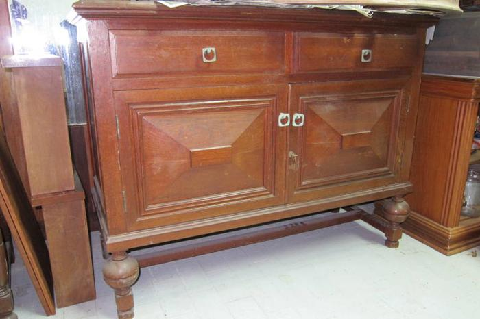 Antique Colonial 1930s small sideboard