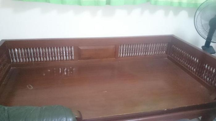 antique daybed
