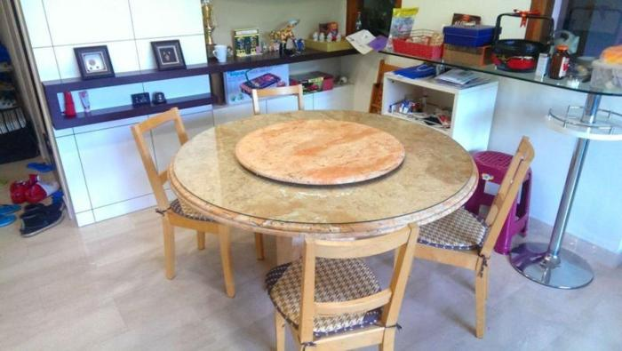 Antique Marble Dining Table (Round)