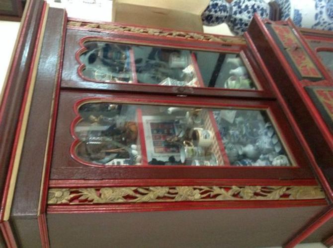 Antique Peranakan Showcase