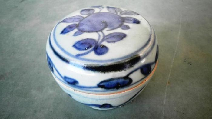 Antiques Qing blue & white peach ornamentation covered