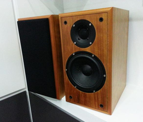 Audiophile bookshelf speakers with SEAS driver & tweeter for Sale in