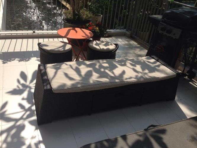 Balcony/patio furniture