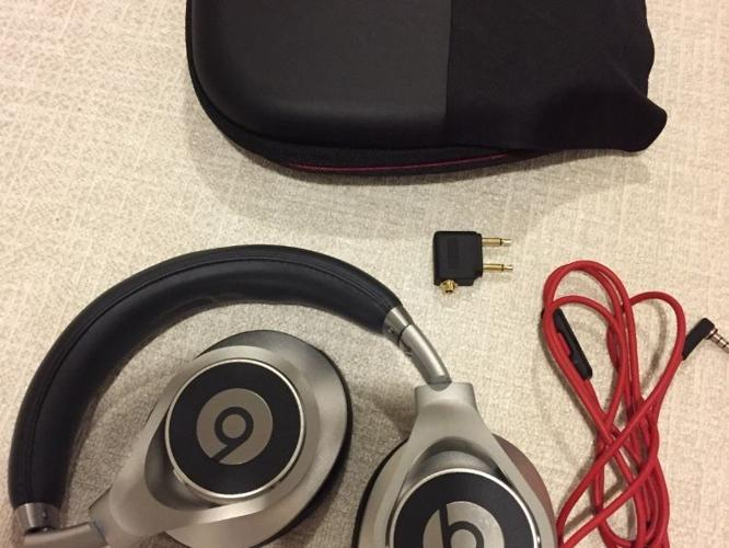 Beats Executive by Dr Dre (original/perfect condition)