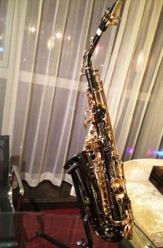 Beautiful Alto Saxophone (Black color with engravings)