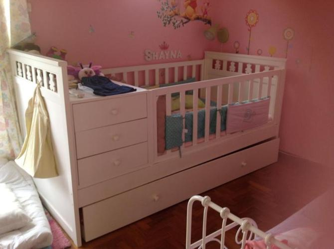 Beautiful Convertible Cot Bed + Single Pull Out Bed