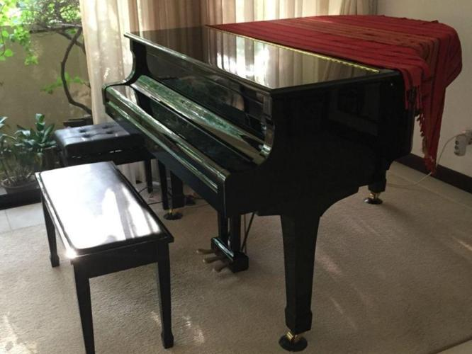 Beautiful Yamaha C1 Baby Grand Piano