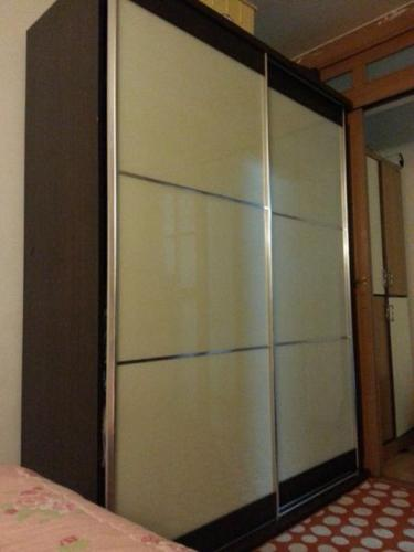 big cupboard with sliding doors for sale moving house