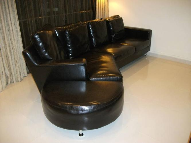 Black Highbury L Shaped PU Leather Sofa For Sale In