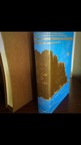 Book - Rebecca by Daphne Du Maurier
