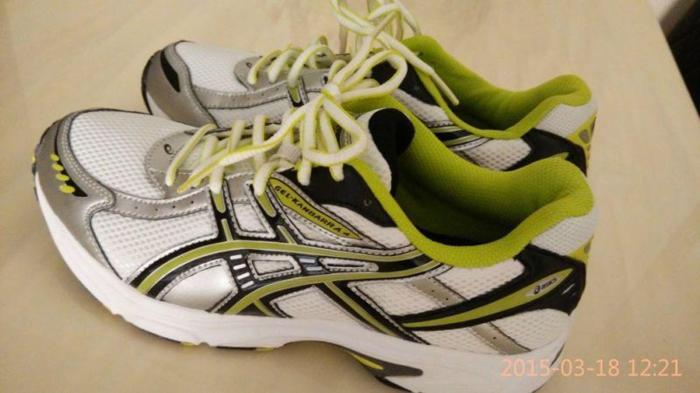Brand new ASICS (US 6.5, EURO 39.5) running shoes $50