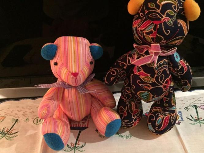 Brand NEW*** Hand Stitched bear Set #7
