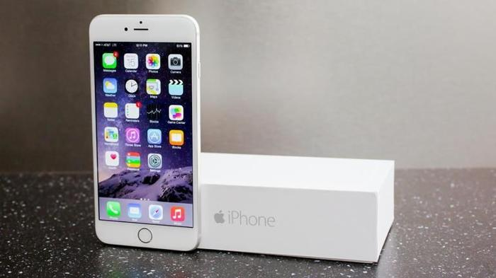 Brand New iPhone 6 (16GB) at SGD 1000