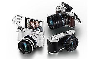 Brand New Samsung SMART CAMERA NX300M w 18-55mm lens