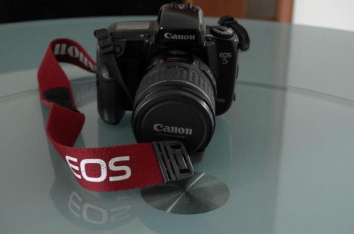 Canon 5QD (Film) with EF 28-135mm IS USM Len (2 items)