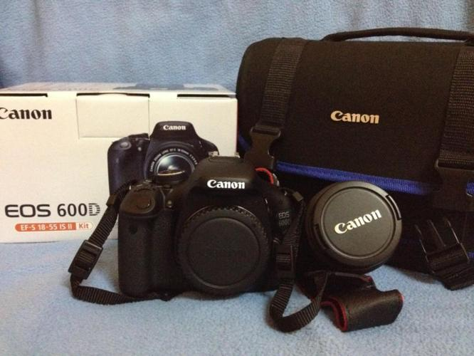 Canon EOS 600 D in good condition.Only using a few