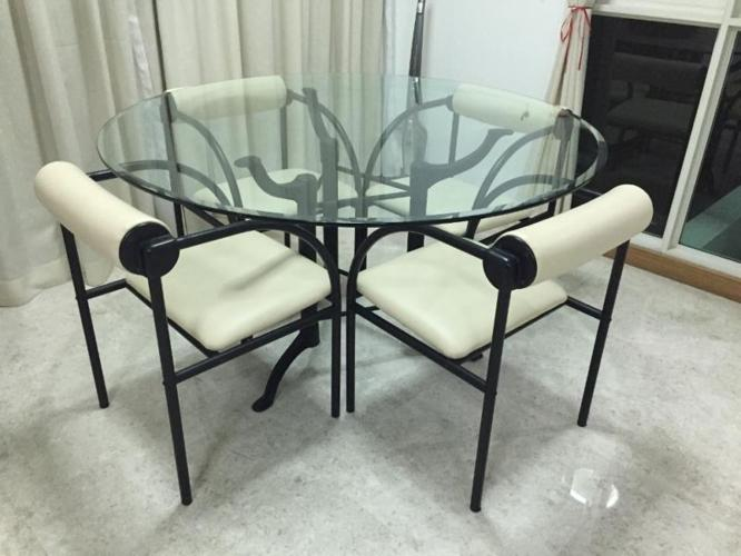 Cellini glass dinning table with four chairs (reserved)