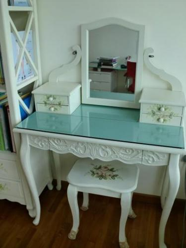 Classical Dressing Table & Chair