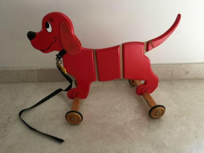 Clifford the Dog, Walker
