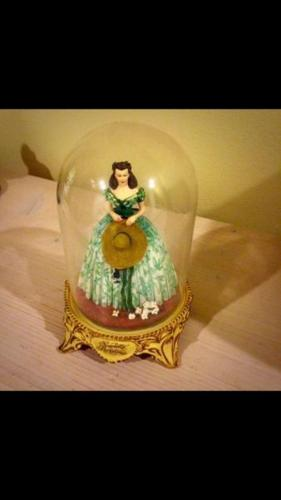 Collectible Scarlett O'Hara Figurine - Gone with the