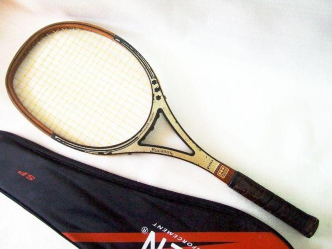 CoLLecTor's VinTaGe RuCanor Pro Wooden Tennis RacqueT