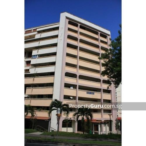 com room for rent Blk 717, Yishun Street 71/with