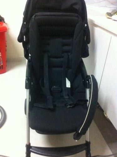 COMBI Well Carry Black Stroller