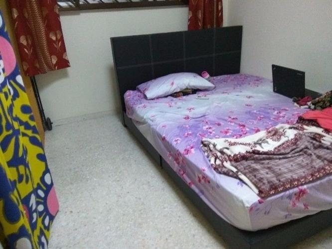 Common Room(In 2 BHK) @Blk 240 Tampines St21 -NO AGENT-
