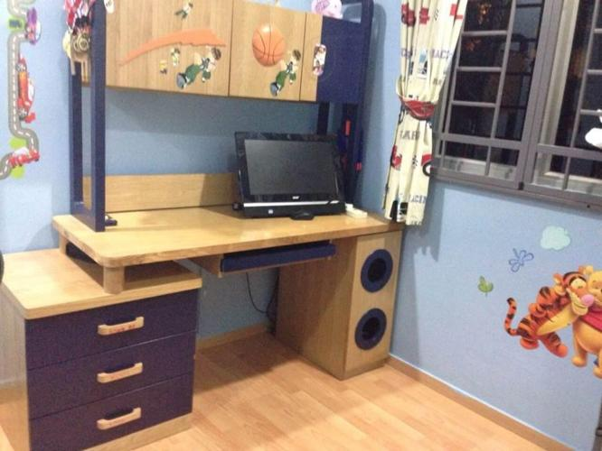 Complete Study Station :SGD 950 - Selling for SGD 375