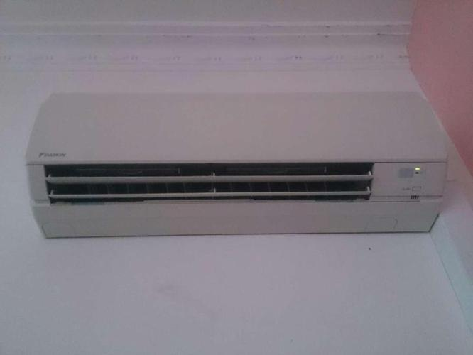 Daikin single perfect condition (less than 2 years)
