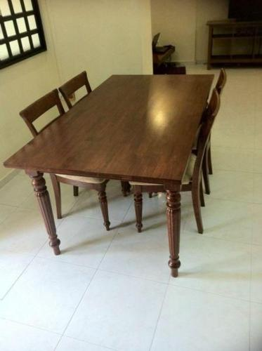 Dining Table for sale (urgent)