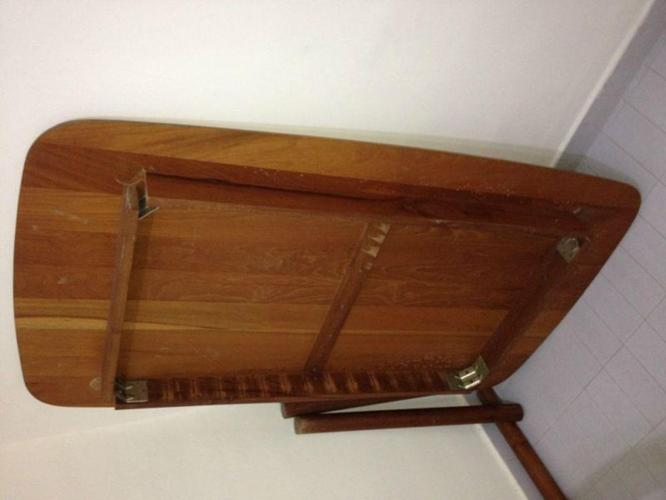 Dining table very good condition