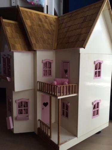 DOLLS HOUSE - HANDMADE IN INDONESIA