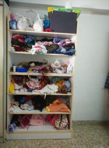 dress shelf