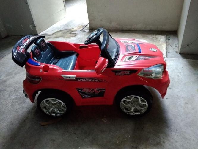 Electric toy car for kids