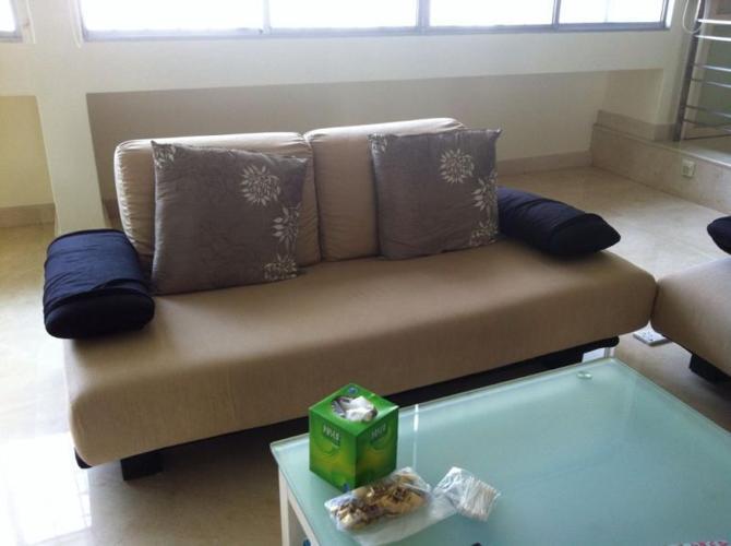 Elegant Italian sofa for sales