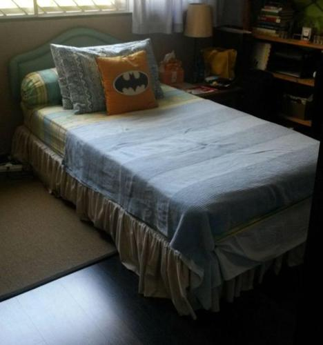 Excellent Condition Single Bed Frame + Mattress for