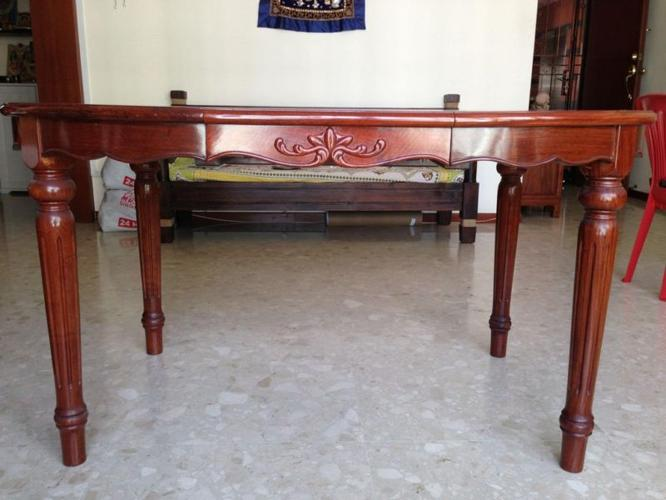 Excellent condition - Wooden Dining Table 6 seater (no