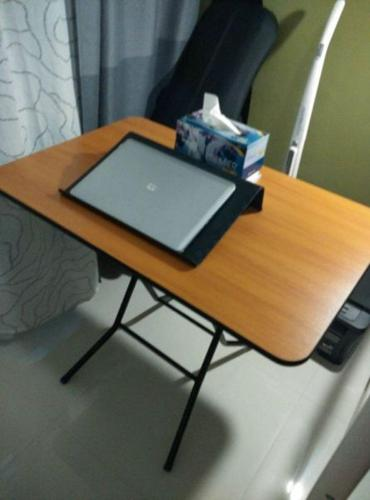Foldable table (0.6mx0.9m)